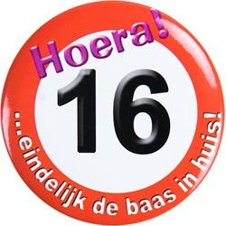 Button Hoera 16!